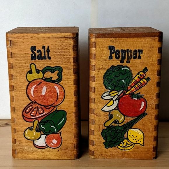 "Vintage Wooden Salt and Pepper Shakers 5"""